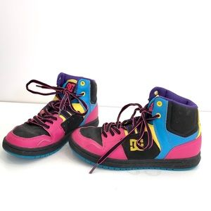 DC preowned sneakers size 6 boys or girls